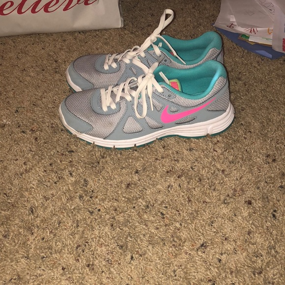 NIKE SNEAKERS Youth Size 6 Pink Gray Turquoise Athletic Shoes